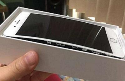 """是什么导致了iPhone 8 电池""""膨胀""""?"""
